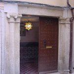 Calle Alarife. Toledo. Portada Granito.Estado Inicial.
