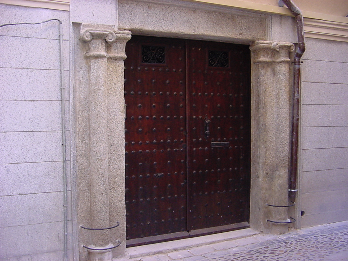 Calle Alarife. Toledo. Portada Granito.Estado Final.